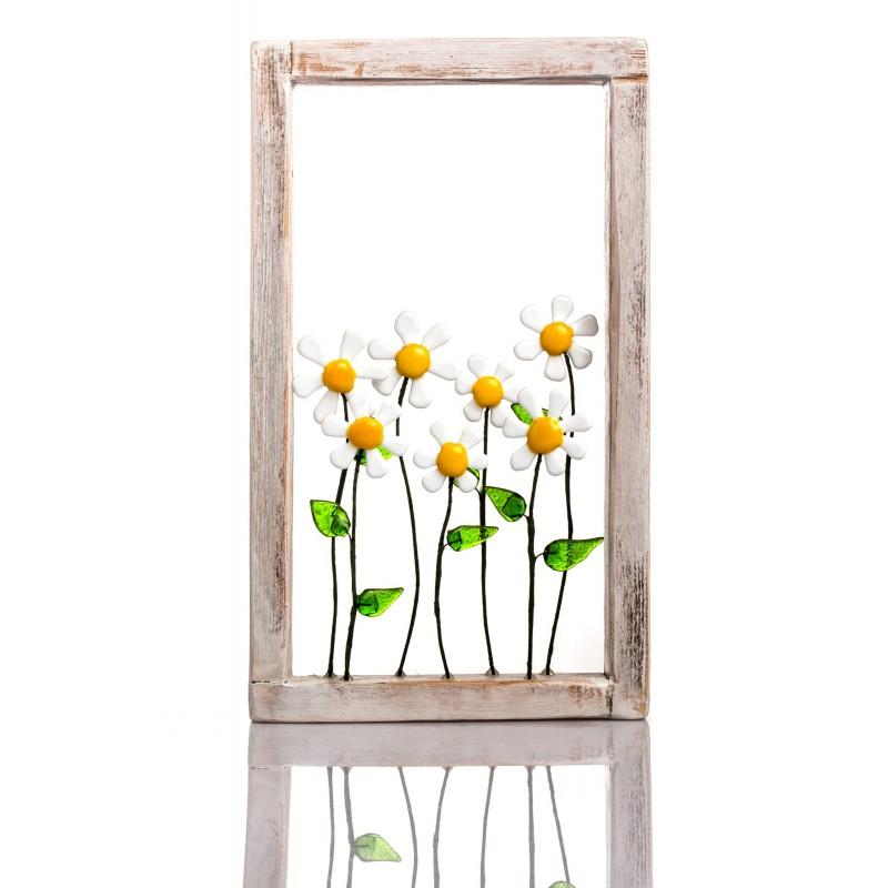 frame with daisy